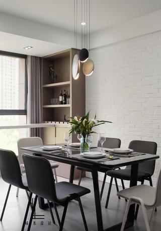 142平米三居室餐廳裝修效果圖