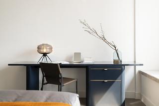 现代简约风格三居装修梳妆台设计图