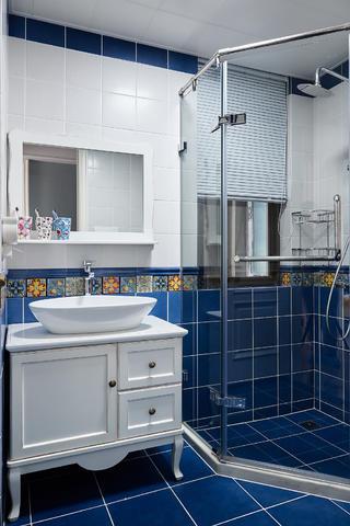 大户型现代法式混搭卫生间装修效果图