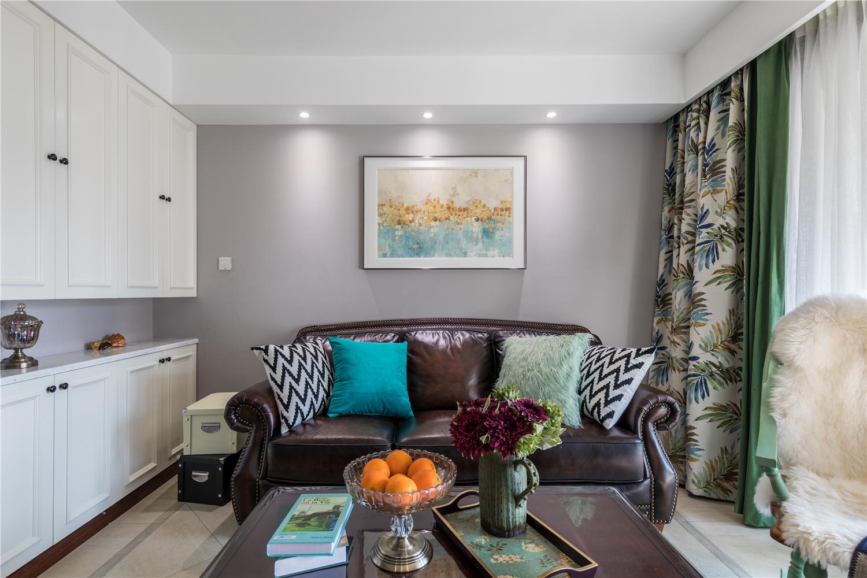 90㎡美式风格沙发背景墙装修效果图