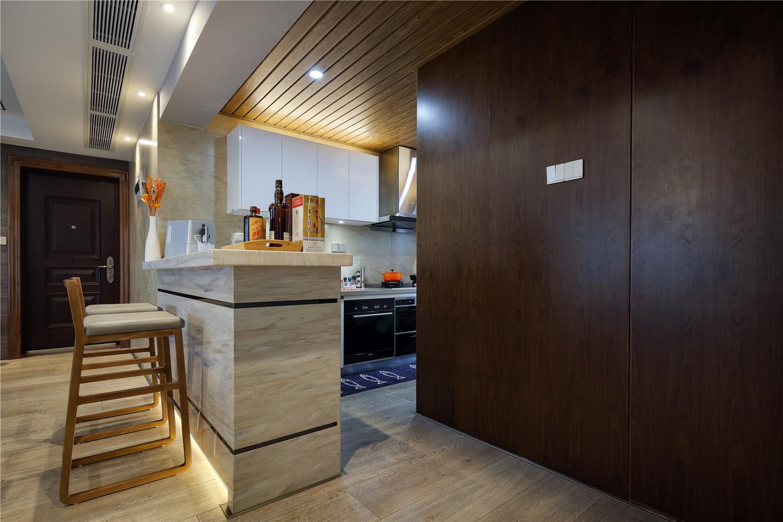 现代简约四居室吧台装修效果图