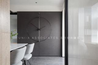 140㎡现代风格三居装修极简挂钟设计