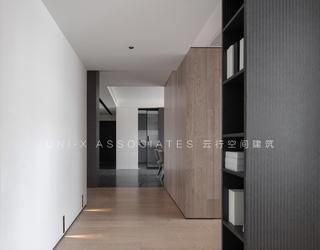 140㎡现代风格三居走廊装修效果图