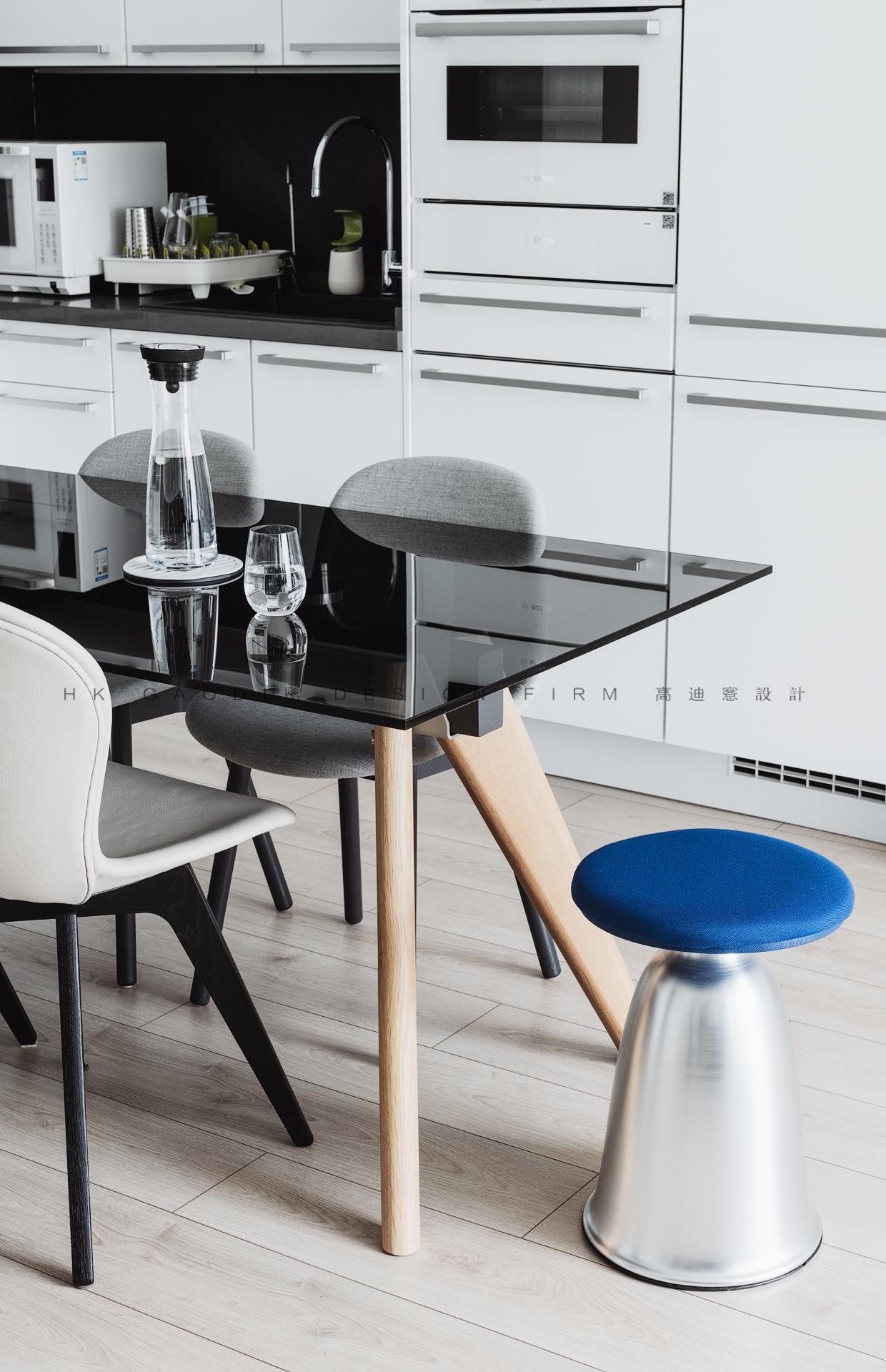 150㎡现代简约风格装修餐桌设计图