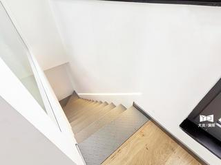100㎡现代简约复式楼梯装修效果图