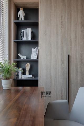 124㎡现代简约三居装修书柜设计