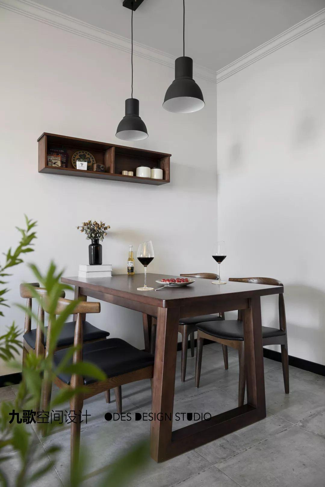 现代风二居室餐厅装修效果图