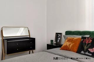 70平米两居室装修梳妆台设计